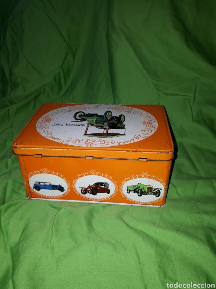 Cajas y cajitas metálicas: Antigua caja COCHE DARRACQ 1902 Colacao cola cao - Foto 3 - 147773818