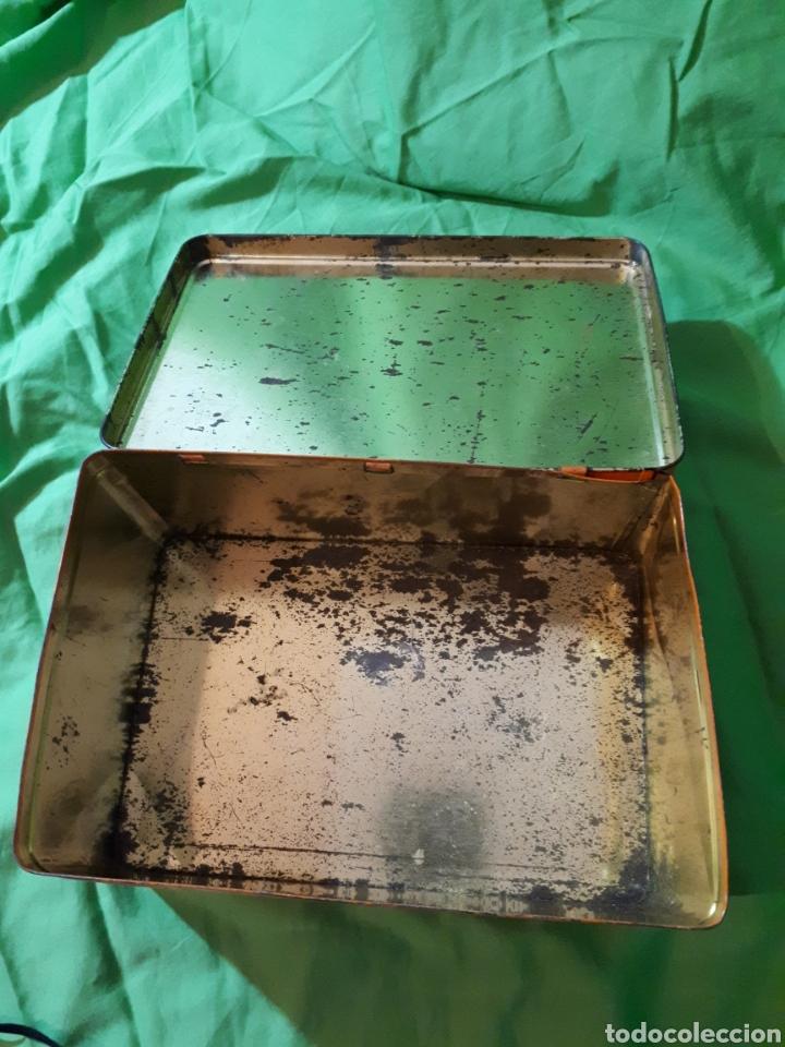 Cajas y cajitas metálicas: Antigua caja COCHE DARRACQ 1902 Colacao cola cao - Foto 5 - 147773818