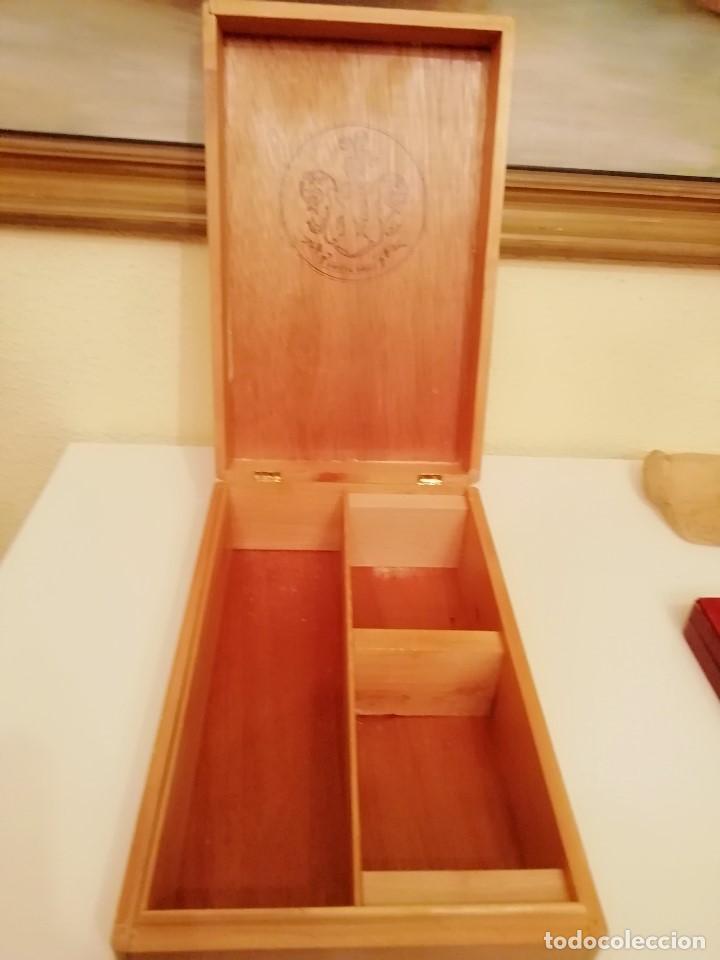 Blechdosen und Kisten: CAJA DE MADERA CARLOS I - Pedro Domecq (VACIA) - Foto 2 - 147789018