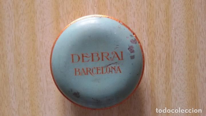 Cajas y cajitas metálicas: Antigua cajita metálica litografiada Debrai Barcelona. Modernista 6,2 x 2 cm aprox - - Foto 3 - 147927326