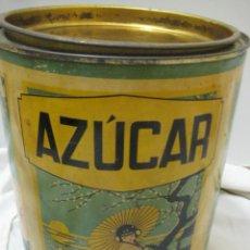 Cajas y cajitas metálicas: ANTIGUA Y RARA CAJA DE HOJALATA DE AZÚCAR CON MOTIVOS CHINESCOS. Lote 147942730
