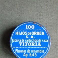 Cajas y cajitas metálicas: CAJA METÁLICA DE PISTONES DE RECAMBIO AP. 6,45.100. HIJOS DE ORBEA S.A. (VITORIA). CON CONTENIDO.. Lote 148050126
