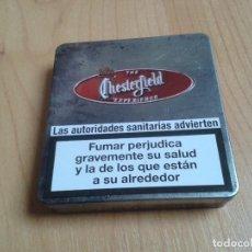 Cajas y cajitas metálicas: CAJITA METÁLICA -- CHESTERFIELD -- VACÍA -- TABACO -- CON SELLO FISCAL. Lote 148563918