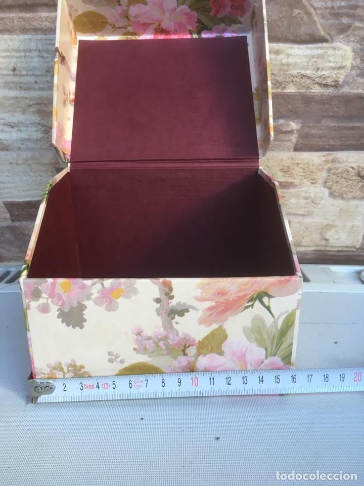 Cajas y cajitas metálicas: Caja de cartón - Foto 3 - 148696413
