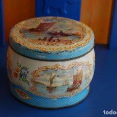 Cajas y cajitas metálicas: LATA VINTAGE DE GALLETAS INGLESA. Lote 150235946