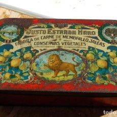 Cajas y cajitas metálicas: CAJA DE CHAPA LATA JUSTO ESTRADA HARO PUENTE GENIL // FÁBRICA DE CARNE MEMBRILLO, JALEAS CONSERVAS. Lote 150309538