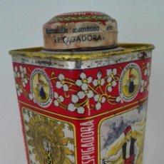 Cajas y cajitas metálicas: CAJA CHAPA MANZANILLA AROMATICA ESPIGADORA, MEDIDAS 6 X 6 X 13 CM, NUEVA CON MANZANILLA. Lote 152619018