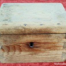 Cajas y cajitas metálicas: CAJA DE CAUDALES EN MADERA DE CONÍFERA. ESPAÑA. SIGLO XIX-XX. . Lote 152733582