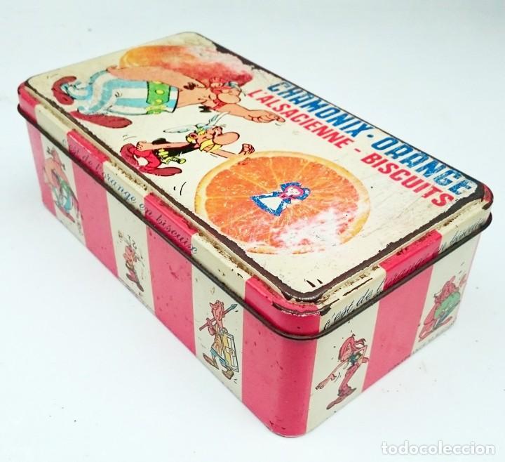 Cajas y cajitas metálicas: CAJA VACIA DE BIZCOCHOS CHAMONIX ORANGE CON ASTERIX Y OBELIX - Foto 2 - 152803394