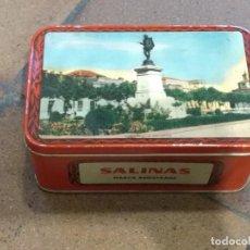 Cajas y cajitas metálicas: ANTIGUA CAJA DE HOJALATA LITOGRAFIADA CON PUBLICIDAD DE ALMENDRAS SALINAS - ALCALA DE HENARES. Lote 154007130