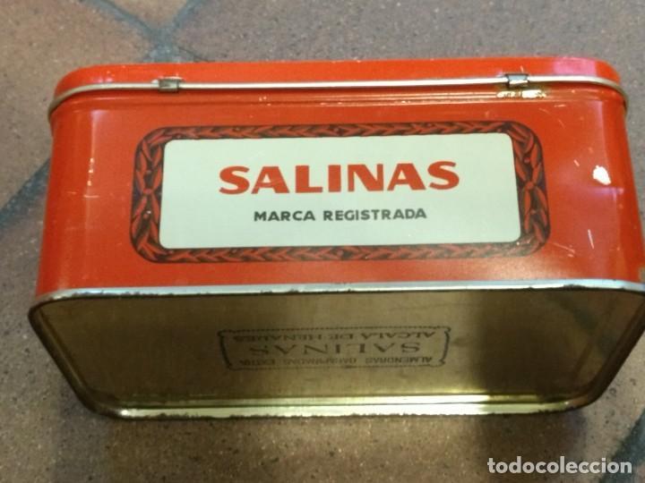 Cajas y cajitas metálicas: ANTIGUA CAJA DE HOJALATA LITOGRAFIADA CON PUBLICIDAD DE ALMENDRAS SALINAS - ALCALA DE HENARES - Foto 3 - 154007130