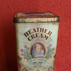 Cajas y cajitas metálicas: CAJA METÁLICA INGLESA HEATHER CREAM LICOR DE WHISKY. Lote 154054314