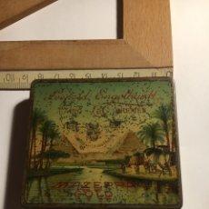 Cajas y cajitas metálicas: CAJA LATA MUY RARA CIGARRETTES LEOPOLD ENGELHARDT CAIRO-BREMEN MAZEPPA GOLD ANTES DE 1914. Lote 154750002