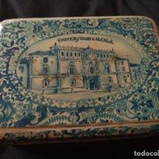 Cajas y cajitas metálicas: CAJA METALICA AÑOS 30, CONFITERÍA SALINAS. Lote 154927798