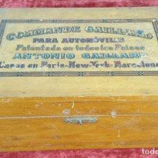 Cajas y cajitas metálicas: CAJA DE MADERA. REPUESTOS DE AUTOMOBIL. CIRCA 1960.. Lote 155063142