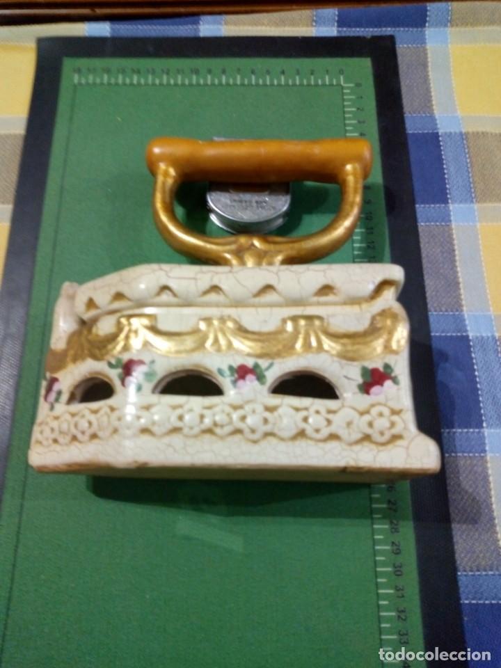 CAJA FORMA DE PLANCHA (Coleccionismo - Cajas y Cajitas Metálicas)
