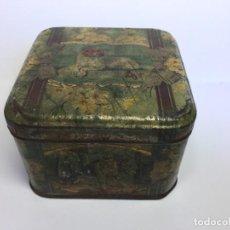 Cajas y cajitas metálicas: ANTIGUA CAJA DE METAL LITOGRAFIADA PERROS Y FLORES. Lote 155684174