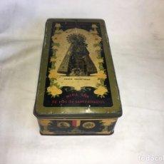 Cajas y cajitas metálicas: ANTIGUA CAJA DE METAL LITOGRAFIADA NTRA. SRA. DE LOS DESAMPARADOS G. DE ANDREIS M.E. BADALONA. Lote 155853514