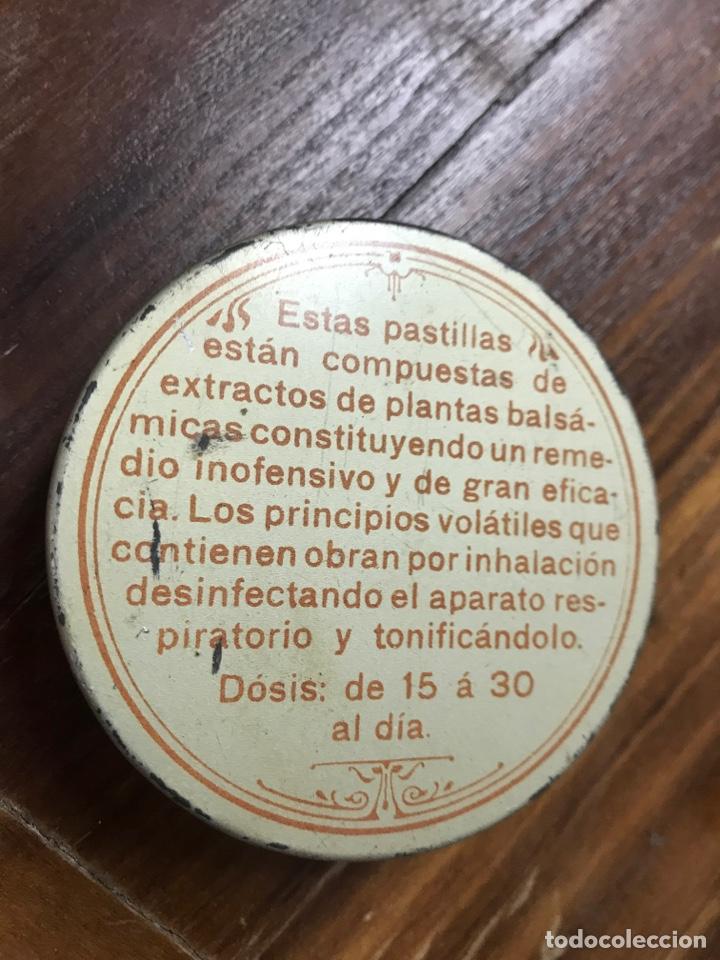 Cajas y cajitas metálicas: Caja Pastillas Juanola Años 20 - Foto 3 - 156113796