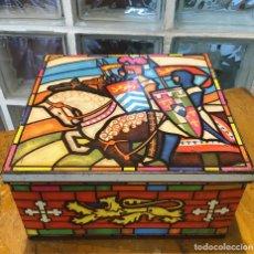 Cajas y cajitas metálicas: CAJA LITOGRAFIADA, INGLESA. Lote 158378290