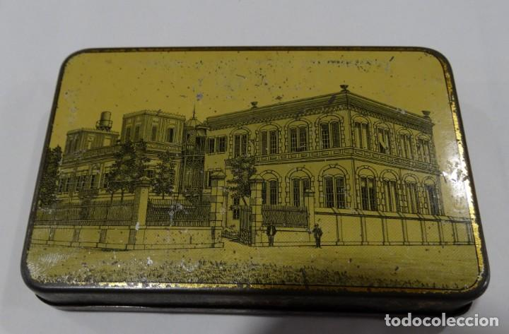 Cajas y cajitas metálicas: CAJA LITOGRAFIADA DE HOJALATA DE NESTOR GIANACLIS LID AU CAIRE CIGARETTES QUEEN EGYPTE - Foto 2 - 159108754