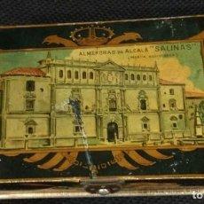 Cajas y cajitas metálicas: CAJA DE HOJALATA LITOGRAFIADA CON PUBLICIDAD DE ALMENDRAS DE ALCALA DE HENARES, SALINAS UNIVERSIDAD. Lote 159549350