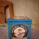 Cajas y cajitas metálicas: BONITA CAJA LATA DE METAL DE ORIGINAL BRETZELI KAMBLY. DIBUJO EN RELIEVE.. Lote 160713266