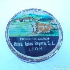 Cajas y cajitas metálicas: ANTIGUA LATA DE MANTEQUILLA HNOS. ARIAS REYERO, S.L. LEÓN. Lote 163753834