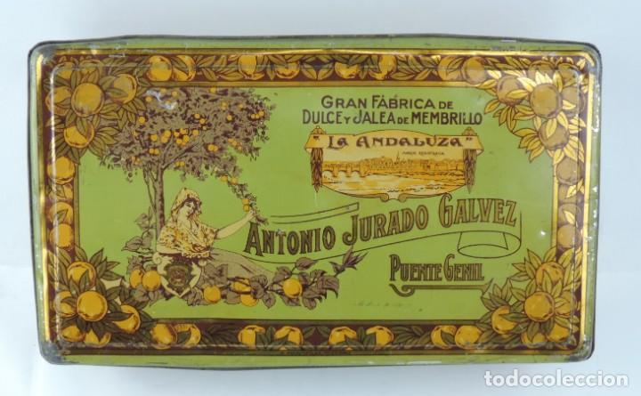 ANTIGUA CAJA DE HOJALATA LITOGRAFIADA DE MEMBRILLO LA ANDALUZA. ANTONIO JURADO GALVEZ. GRAN FABRICA (Coleccionismo - Cajas y Cajitas Metálicas)