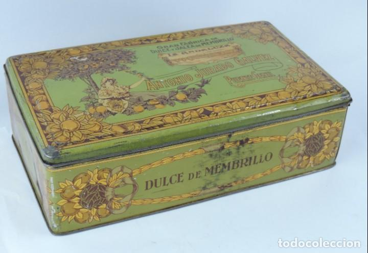 Cajas y cajitas metálicas: ANTIGUA CAJA DE HOJALATA LITOGRAFIADA DE MEMBRILLO LA ANDALUZA. ANTONIO JURADO GALVEZ. GRAN FABRICA - Foto 2 - 164692034