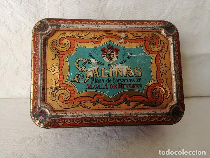 Cajas y cajitas metálicas: CAJA ANTIGUA DE HOJALATA LITOGRAFIADA. ALMENDRAS GARRAPIÑADAS SALINAS. - Foto 2 - 165088786