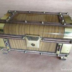 Cajas y cajitas metálicas: BAÚL, COFRE O CAJA JOYERO DE MÚSICA DE LOS AÑOS 60. T3. Lote 166165086