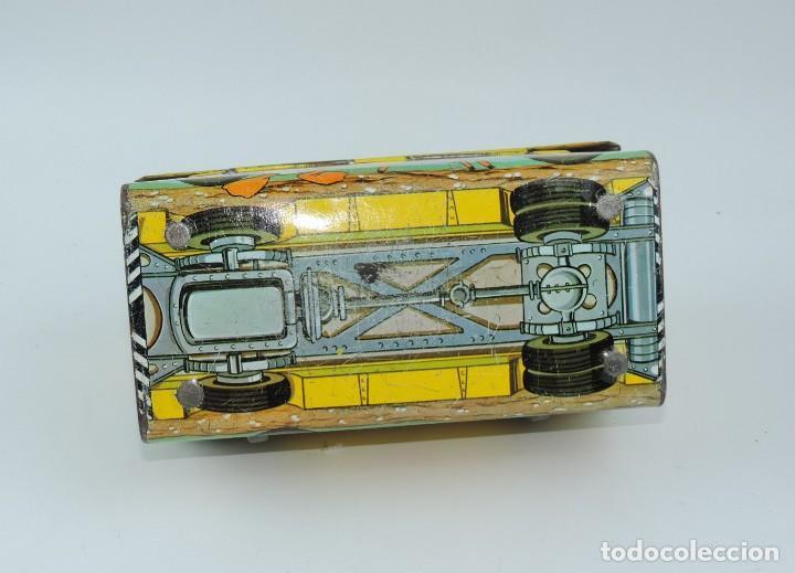 Cajas y cajitas metálicas: Antigua Cabás School bus de Walt Disney, lunch box. Payva, de Pascual y Valls S.L., Ibi, Alicante, - Foto 5 - 168773144