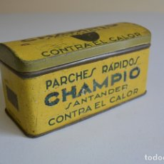 Cajas y cajitas metálicas: CAJA METALICA HOJALATA PARCHES RÁPIDOS CHAMPIO CONTRA EL CALOR SANTANDER AÑOS 50 CAJITA. Lote 170849885