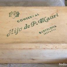 Cajas y cajitas metálicas: BONITA CAJA ANTIGUA DE MADERA CONSERVAS HIJO DE P.MAURI. Lote 170980912