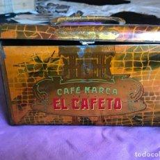 Cajas y cajitas metálicas: ANTIGUO CABAS DE HOJALATA LITOGRAFIADA CON PUBLICIDAD DE CAFE EL CAFETO, C. DE MARTINEZ, MADRID, EX. Lote 171320147