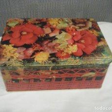 Cajas y cajitas metálicas: ANTIGUA CAJA DE COLA-CAO CON FLORES. Lote 173787678