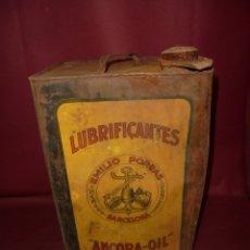 Cajas y cajitas metálicas: MAGNIFICA ANTIGUA LATA LITOGRAFIADA LUBRICANTES EMILIO PORRAS,BARCELONA. Lote 173883365