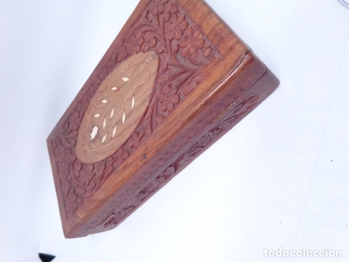 Cajas y cajitas metálicas: ¡¡¡ CAJA DE MADERA TALLADA !!! - Foto 2 - 174236020