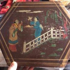 Cajas y cajitas metálicas: BONITA CAJA ANTIGUA MARCA LA ESTRELLA, MOTIVOS ORIENTALES. Lote 174438947