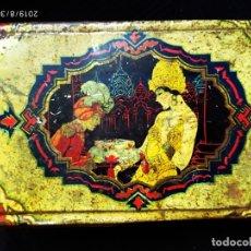 Cajas y cajitas metálicas: UNICA CAJA HOJALATA LITOGRAFIADA INDUSTRIA METALGRAFICA TINTORE OLLER BARCELONA, ORIENTAL, 1900 . Lote 175202875
