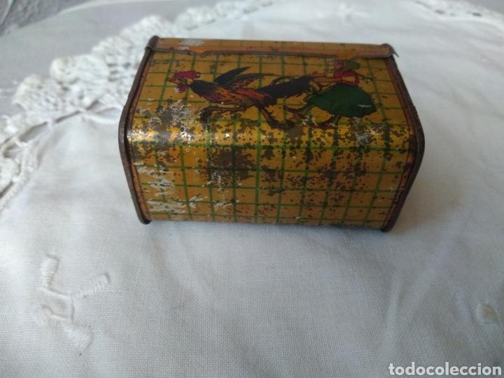 Cajas y cajitas metálicas: CAJITA, ( SIGLO XIX DE METAL , PINTADA ) . MÁS ARTÍCULOS ANTIGUOS EN MI PERFIL. - Foto 3 - 176577560