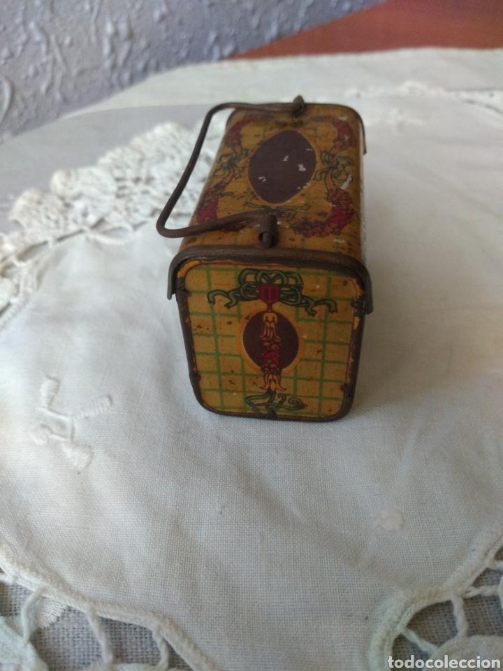 Cajas y cajitas metálicas: CAJITA, ( SIGLO XIX DE METAL , PINTADA ) . MÁS ARTÍCULOS ANTIGUOS EN MI PERFIL. - Foto 4 - 176577560
