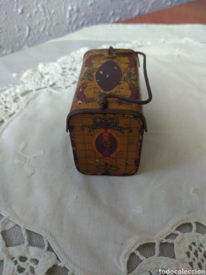 Cajas y cajitas metálicas: CAJITA, ( SIGLO XIX DE METAL , PINTADA ) . MÁS ARTÍCULOS ANTIGUOS EN MI PERFIL. - Foto 6 - 176577560
