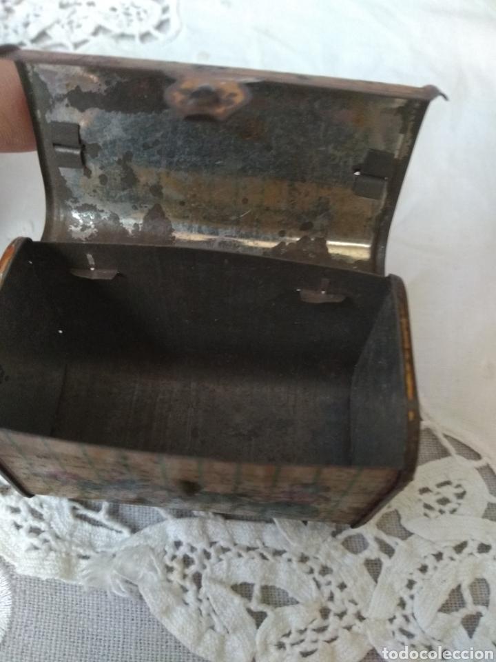 Cajas y cajitas metálicas: CAJITA, ( SIGLO XIX DE METAL , PINTADA ) . MÁS ARTÍCULOS ANTIGUOS EN MI PERFIL. - Foto 8 - 176577560