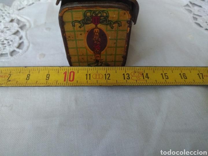 Cajas y cajitas metálicas: CAJITA, ( SIGLO XIX DE METAL , PINTADA ) . MÁS ARTÍCULOS ANTIGUOS EN MI PERFIL. - Foto 9 - 176577560