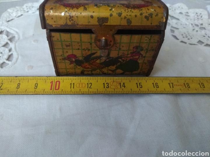 Cajas y cajitas metálicas: CAJITA, ( SIGLO XIX DE METAL , PINTADA ) . MÁS ARTÍCULOS ANTIGUOS EN MI PERFIL. - Foto 10 - 176577560