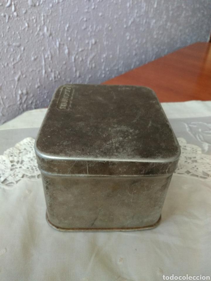 Cajas y cajitas metálicas: CAJA ALUMINIO ( FARMACIA , P. CASANOVAS , TAMAÑO GRANDE ). MÁS ARTÍCULOS ANTIGUOS EN MI PERFIL. - Foto 3 - 176580252