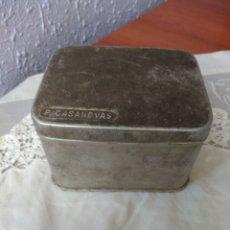 Cajas y cajitas metálicas: CAJA ALUMINIO ( FARMACIA , P. CASANOVAS , TAMAÑO GRANDE ). MÁS ARTÍCULOS ANTIGUOS EN MI PERFIL.. Lote 176580252