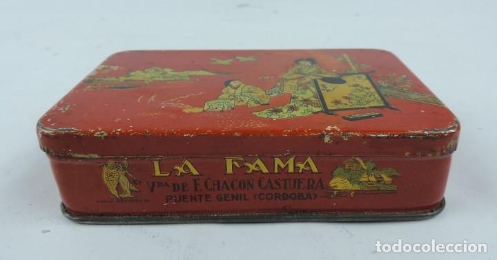 Cajas y cajitas metálicas: CAJA DE DULCE DE MEMBRILLO, LA FAMA, VDA. DE F.CHACON CASTUERA, PUENTE GENIL, CORDOBA, MIDE 13 X 8 X - Foto 2 - 176622327